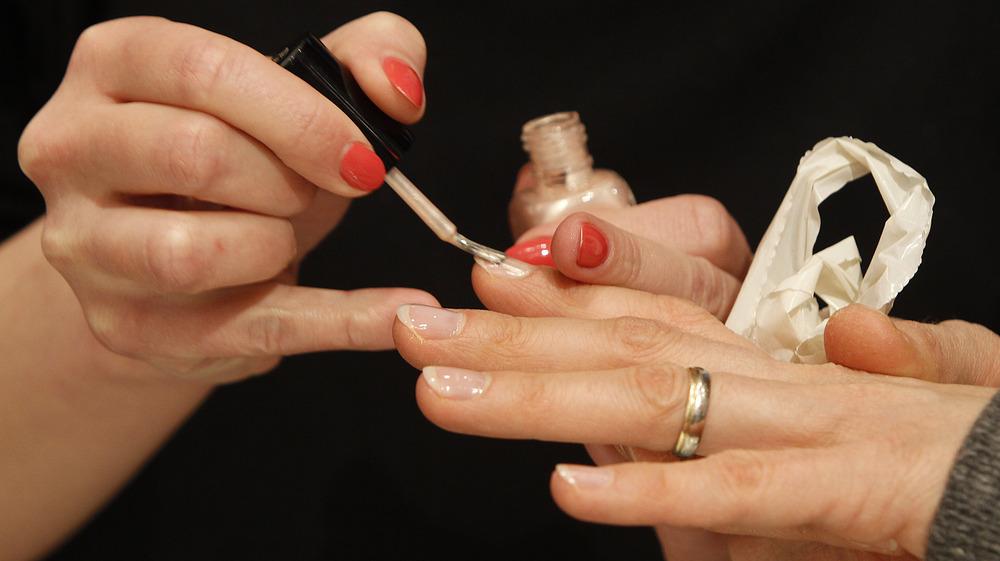 Отращивать ногти мусульманке