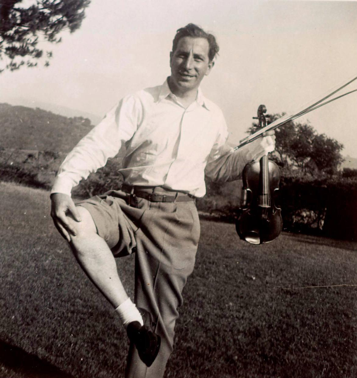 Roman Totenberg with the Stradivarius in the 1950s.
