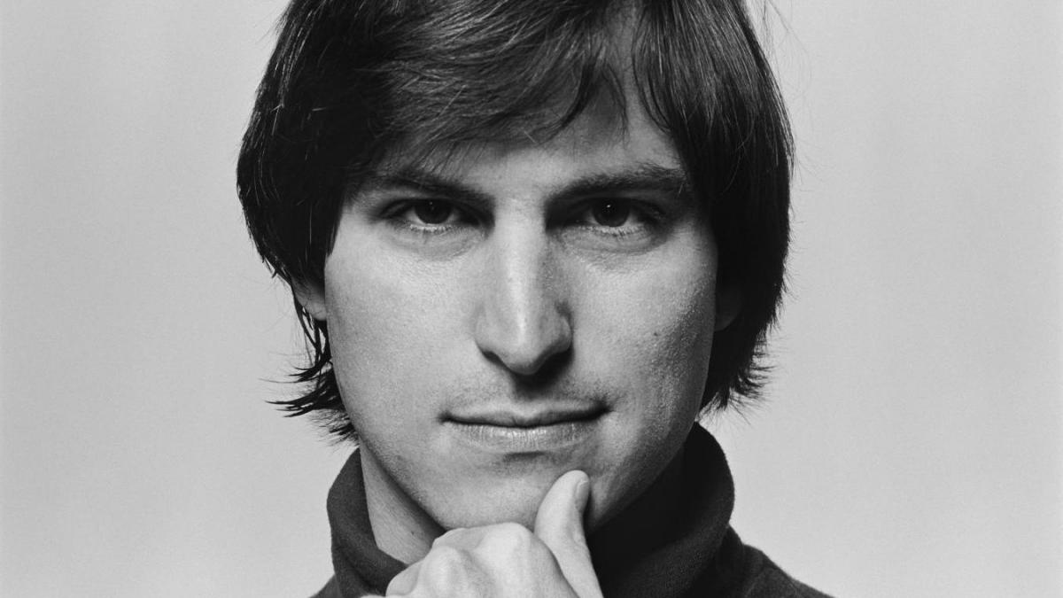 In Steve Jobs: The Man in the Machine, director Alex Gibney turns a critical lens on the Apple co-founder and his products.