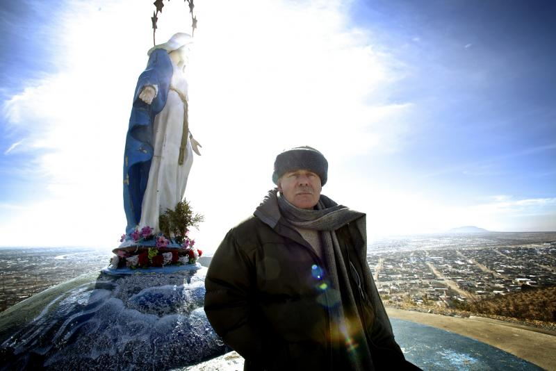 Father Kevin Mullins' parish, the Comunidad Catolica de Corpus Christi near Ciudad Juarez, Mexico, is located at the epicenter of the country's drug cartel war. After years of violence, murders are down and the city's shuttered shops and cafes are beginni