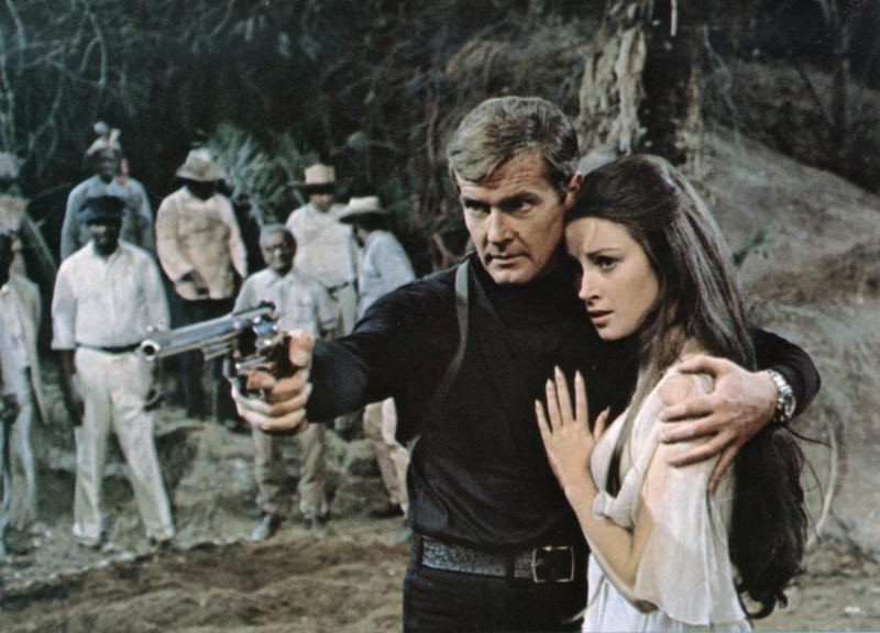 Roger Moore and Jane Seymour in Live And Let Die.