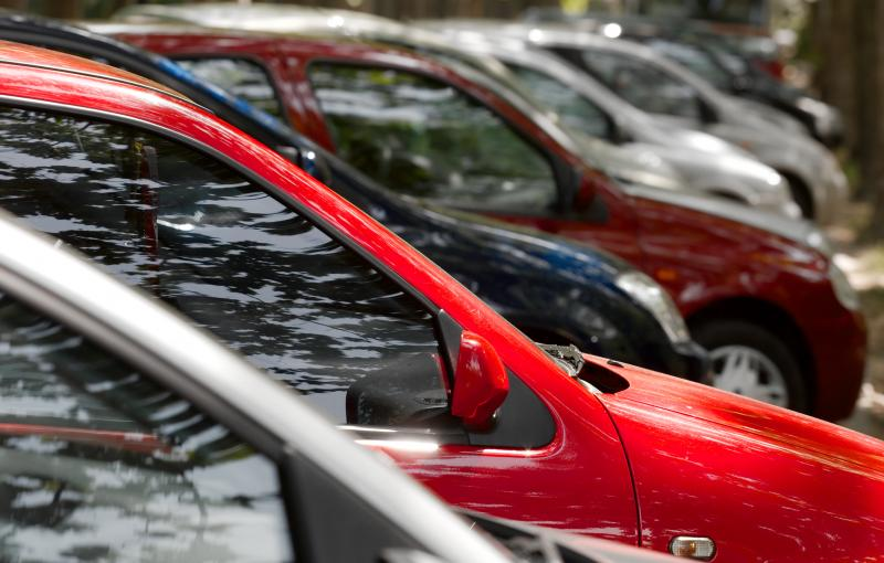Nearly a third of new auto loans now last 74 months or longer, which alarms some analysts.