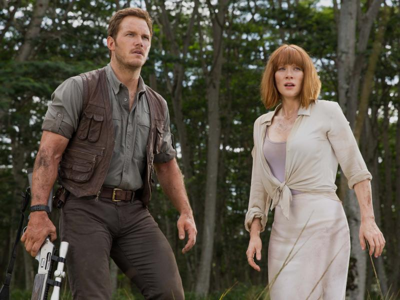 Chris Pratt and Bryce Dallas Howard in Jurassic World.