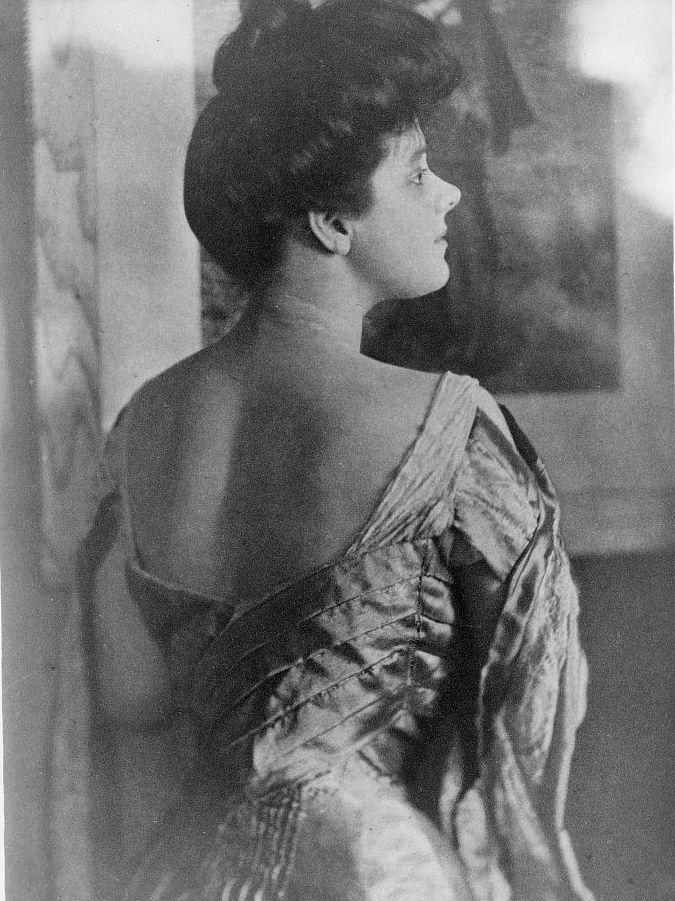 American socialite Rita Lydig in a 1905 photo.
