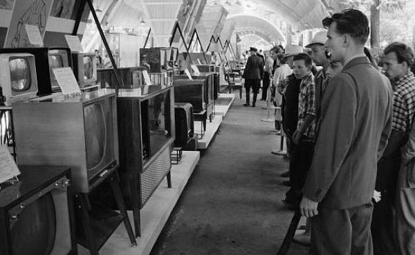 Russians look at television sets and radios at the U.S.S.R. Exhibition in Sokolniki Park, Moscow, next to the American National Exhibition in 1959.