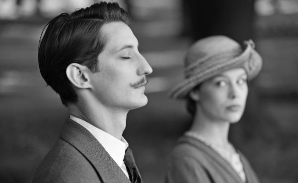 Adrien (Pierre Niney) and Anna (Paula Beer) share a graveside moment in Frantz.