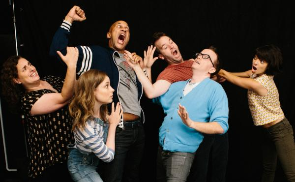 Tami Sagher (Lindsay), Gillian Jacobs (Samantha), Keegan-Michael Key (Jack), Mike Birbiglia (Miles), Chris Gethard (Bill), Kate Micucci (Allison) in Mike Birbiglia's Don't Think Twice.