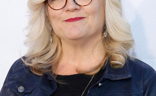 """Paula Pell has """"a very toned joke-writing muscle,"""" says comedian Tina Fey. """"She can just go and go and go."""""""