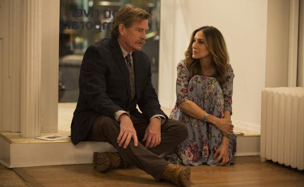 Thomas Haden Church and Sarah Jessica Parker star as Robert and Frances, a couple in a crumbling marriage in HBO's Divorce.