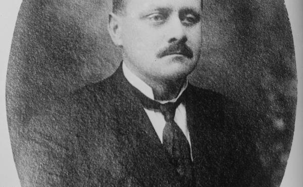 John F. Schrank shot at President Theodore Roosevelt in 1912 and was sentenced to live in mental institution in 1914.