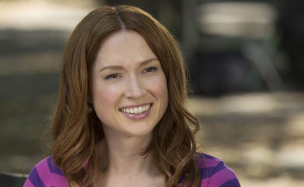Ellie Kemper plays a woman who was abducted and forced to spend 15 years living in an underground bunker before being rescued in the Netflix series Unbreakable Kimmy Schmidt. Kemper is also known for her role as Erin, the cheerful receptionist on the NBC