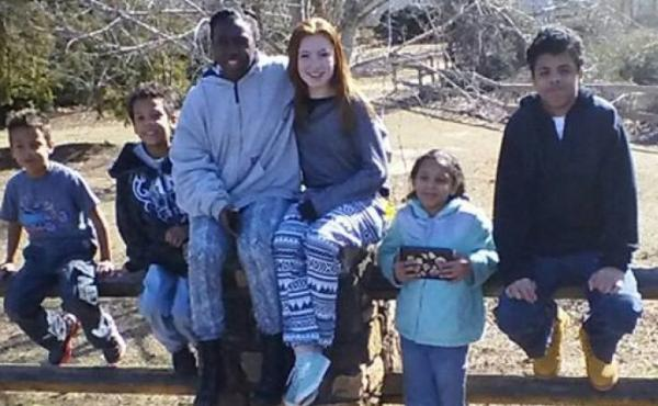 After Donald and Crystal Howard died in a car crash on Halloween, a Georgia state trooper took care of their four children, with help from residents and other police.