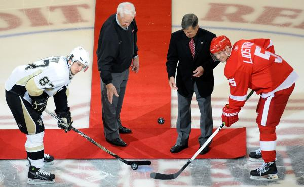 Hall of Famers Gordie Howe and Ted Lindsay drop the ceremonial pucks before Game 1 of the 2009 Stanley Cup Finals at Joe Louis Arena in Detroit.