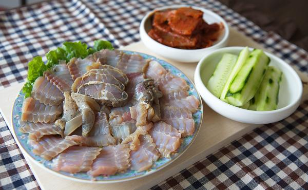 Hongeo, a dish of skate left to ferment in its own urine, is a beloved delicacy in parts of South Korea — despite its overpowering ammonia smell. A sashimi platter of hongeo for three to four people usually costs anywhere from 60,000 ₩ (U.S. $49.78) t