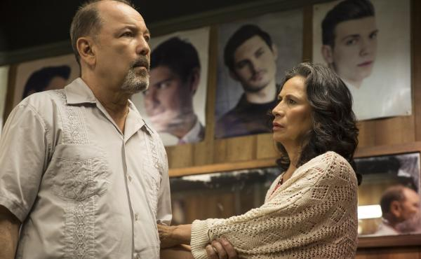 Ruben Blades as Daniel Salazar and Patricia Reyes Spíndola as Griselda Salazar in Fear the Walking Dead.