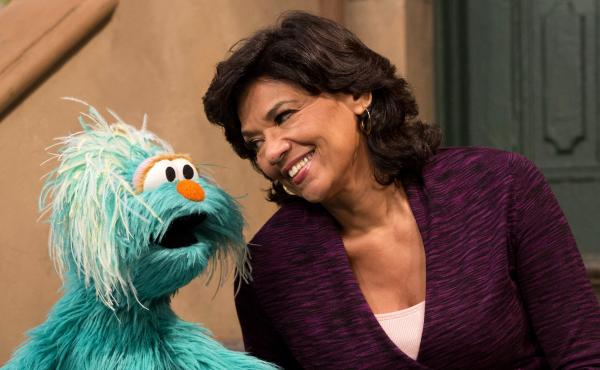 Manzano, shown above with Rosita — a bilingual Muppet from Mexico — recently announced that she will be retiring from Sesame Street after 44 years.