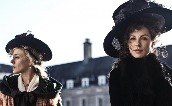Lady Susan (right, played by Kate Beckinsale) consults with her American friend (Chloë Sevigny) in Whit Stillman's Love & Friendship.