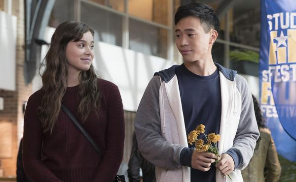 Hailee Steinfeld and Hayden Szeto in The Edge of Seventeen.