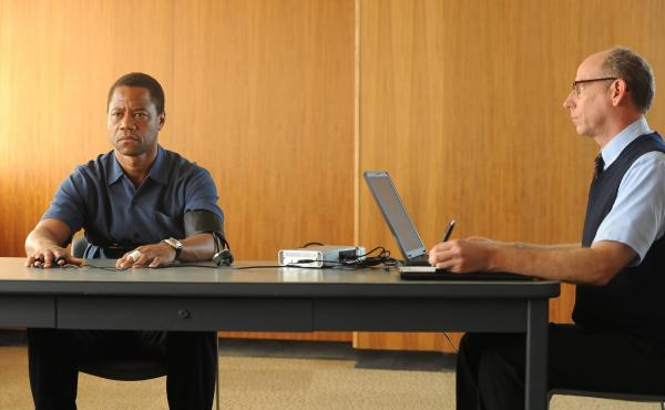 Cuba Gooding Jr. plays O.J. Simpson and Joseph Buttler is a polygraph examiner in the FX series The People v. O.J. Simpson: American Crime Story, which premieres Feb. 2.