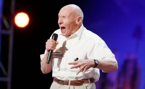 "John Hetlinger, 82, unleashed his version of the heavy metal song ""Bodies"" on a karaoke audience two years ago. Tuesday, he rocked America's Got Talent."