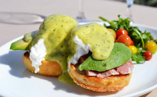 Green eggs and ham is a dish at once familiar to many and yet mysterious — no one can say for sure what this meal would translate to as real, edible food. Mar'sel, a Los Angeles county restaurant inside the ocean-side resort Terranea, crafted a green eg