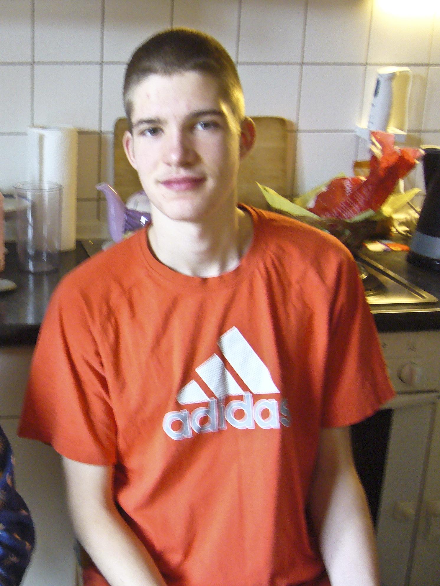 Deutscher Teenager verbreitet sie aber zum Arschlecken und Muschificken