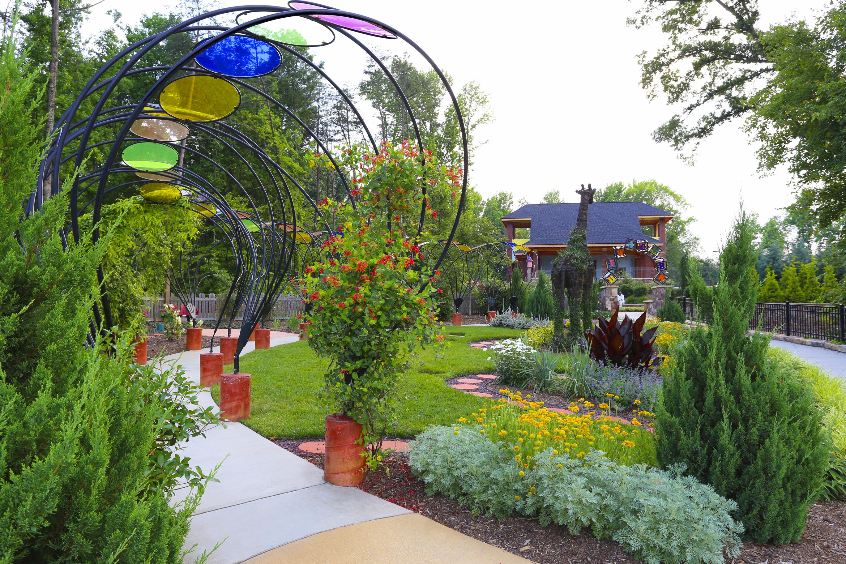 This sunday is groovin 39 in the garden jazz at gateway for Garden gateway