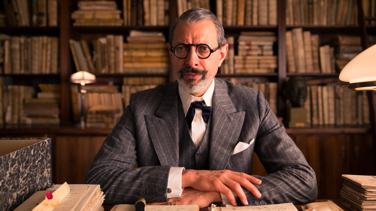 "Hannon told the Los Angeles Times that actor Jeff Goldblum, who plays Deputy Kovacs, had ""the most extraordinary beard I've ever come across."""