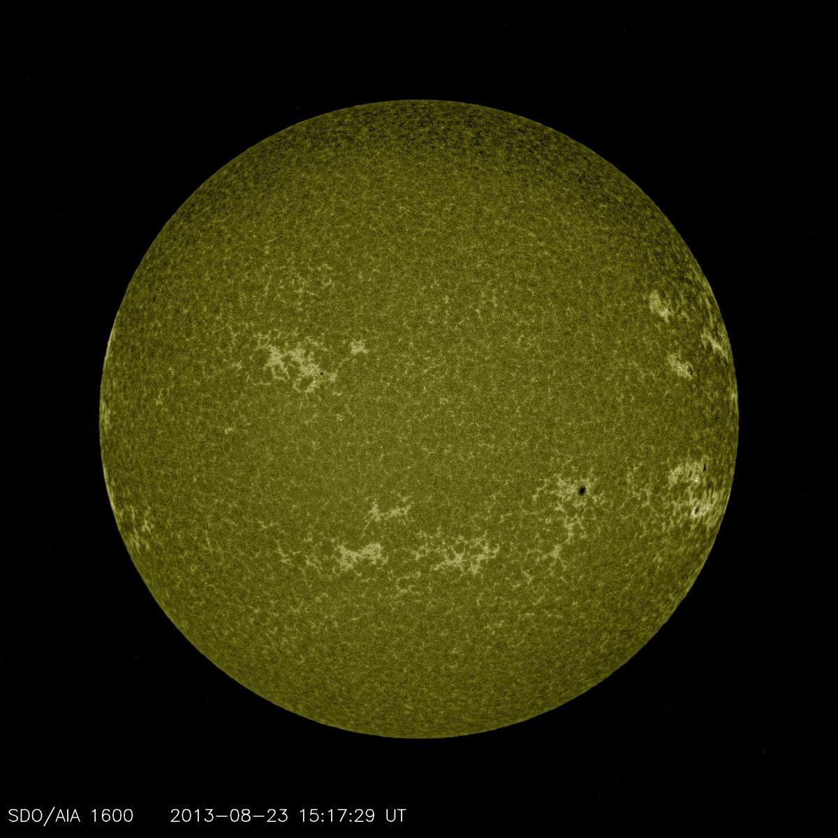 This channel often shows a weblike pattern of bright areas that highlight places where bundles of magnetic field lines are concentrated. However, small areas with a lot of field lines will appear black, usually near sunspots and active regions.