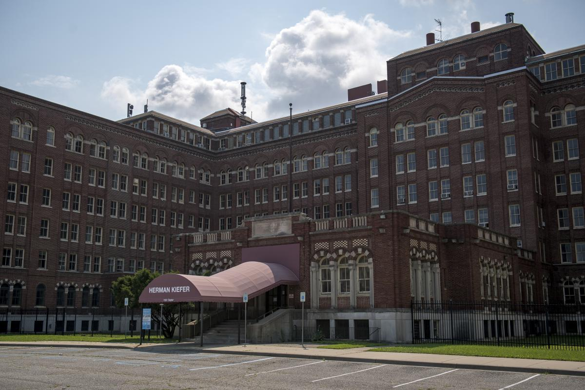 Detroit's Herman Kiefer complex, opened at the turn of the century, once housed the city's public health department, including top-notch labs, a pharmacy and 700 employees in 2008. By 2013 most of that staff was gone. Today, a private developer is marketi