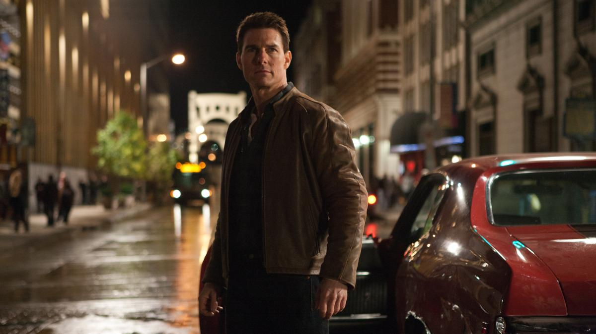 Cruise, who is reportedly 5 foot 7 in person, plays a 6-foot-5 homicide cop in Jack Reacher.