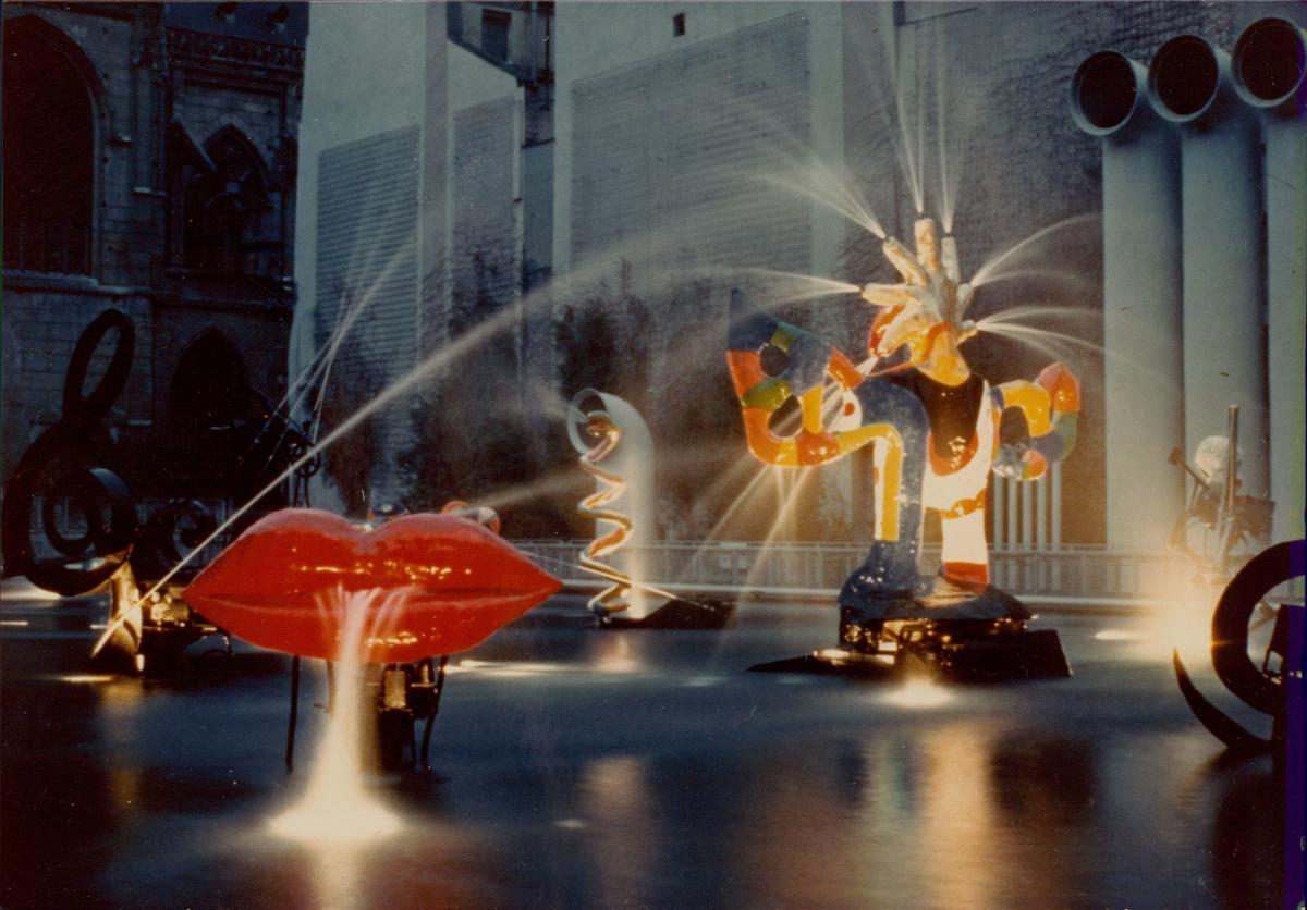 Niki de Saint Phalle, La fontaine Stravinsky, c. 1983