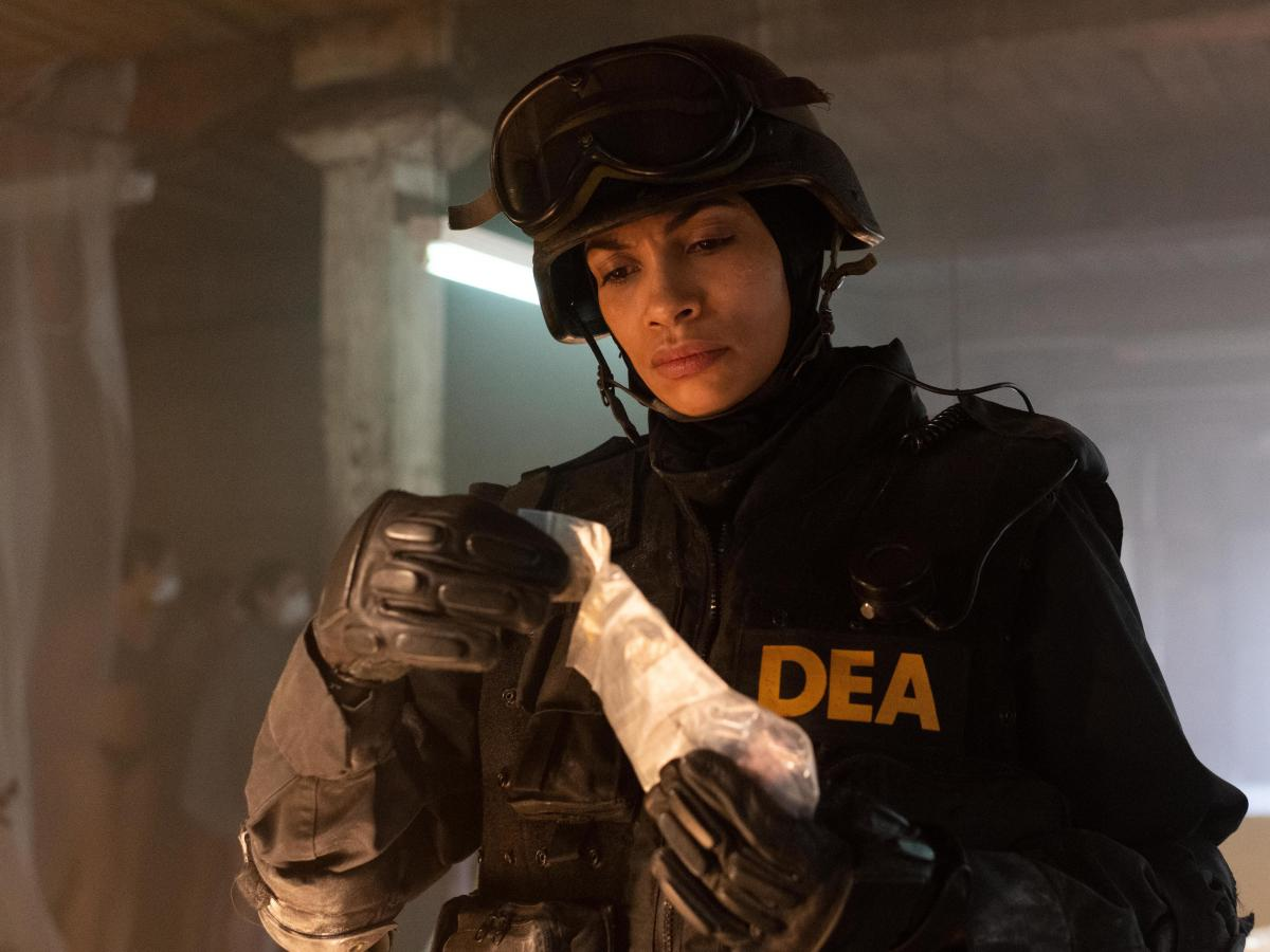Rosario Dawson plays DEA agent Bridget Meyer.