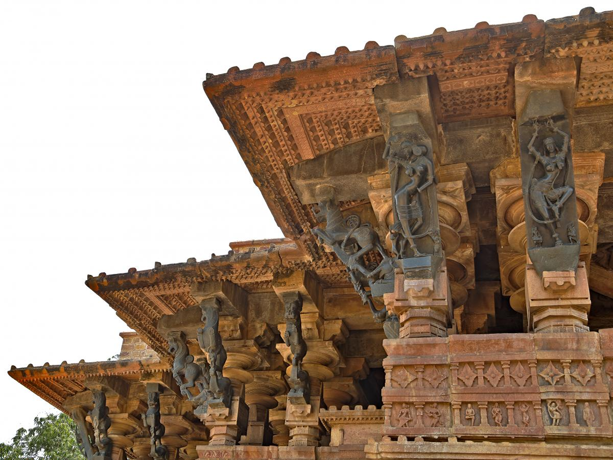 View showing bracket figures of Ramappa temple.