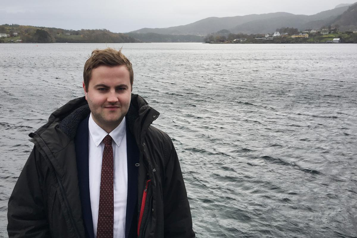Kare Martin Kleppe, the mayor of Tysnes, says a proposed floating bridge would replace a ferry service and cut travel time across the fjord from 40 minutes to five.