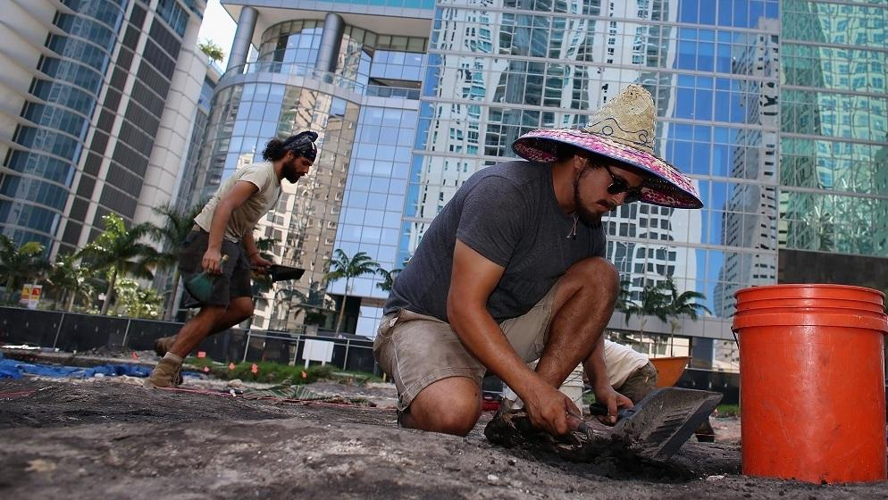 In the middle of downtown Miami, archaeologists excavate a site holding evidence of a more than 1,000-year-old Tequesta Indian village.