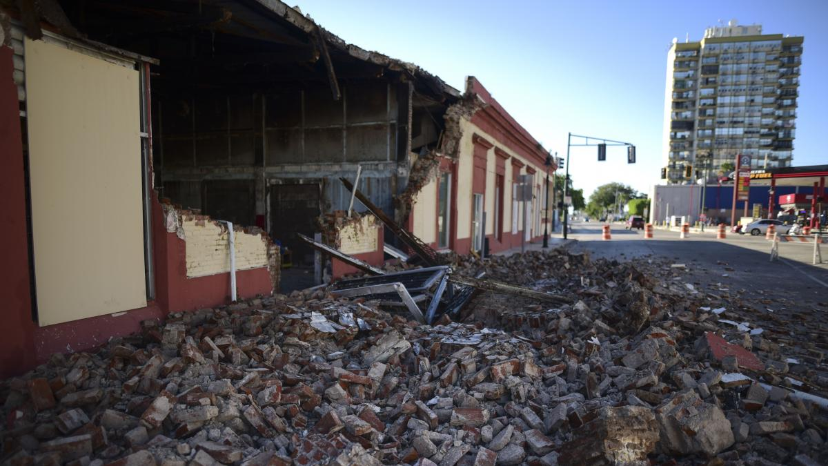 The pre-dawn earthquake on Tuesday crumbled the walls of some local buildings in Ponce and along a stretch of the southern coast of Puerto Rico.