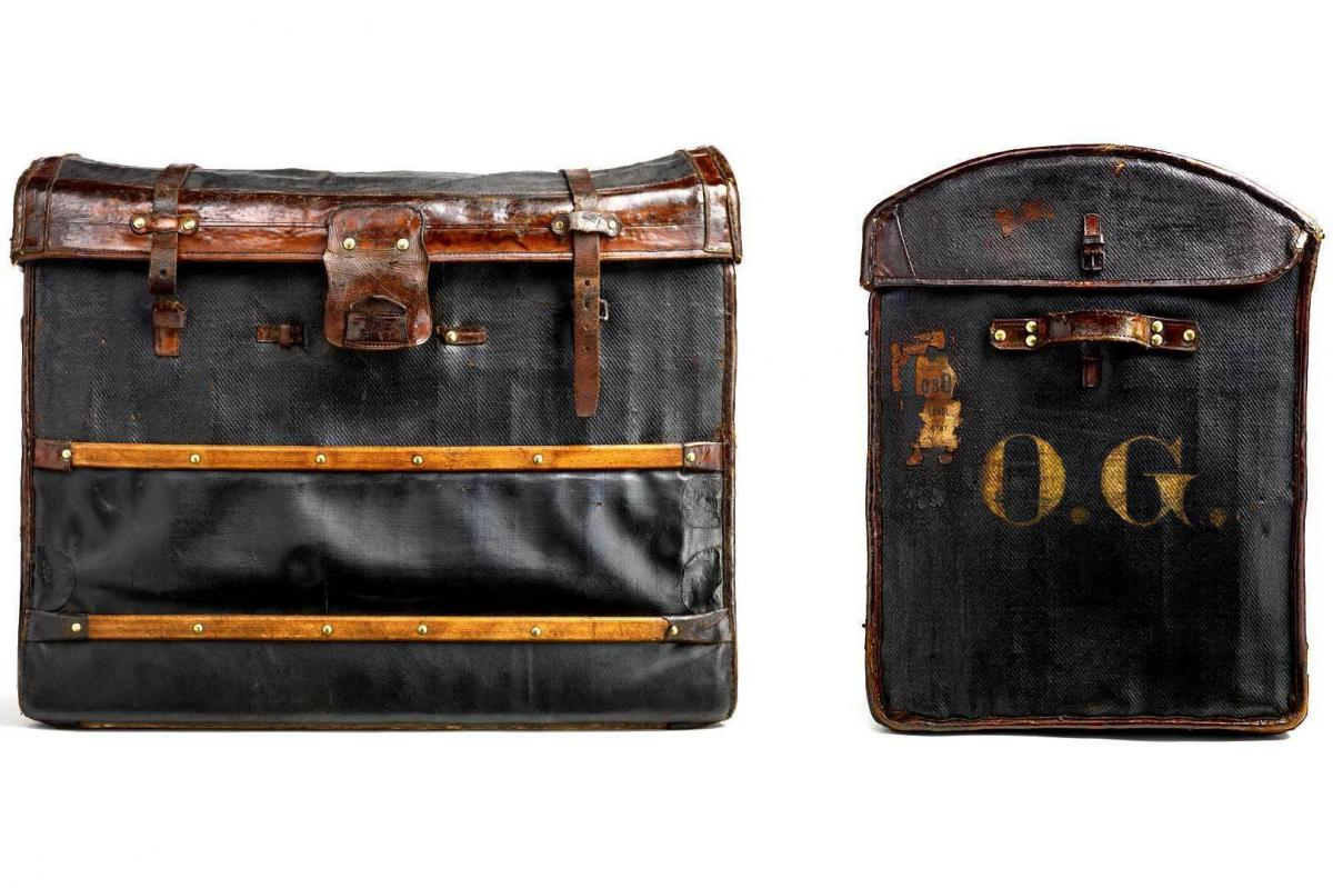 Moynat was renowned for products such as the lightweight wicker trunk named Malle Anglaise, or English trunk, which was invented in 1873. This trunk was subsequently improved and a new patent filed in 1889.
