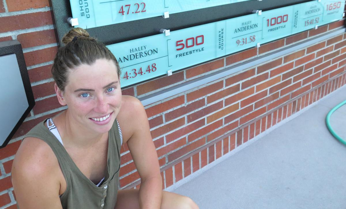 Anderson holds three school records at USC, where she was an All-American. Her sister Alyssa won a gold at the 2012 Olympics in the 4 x 200 relay.