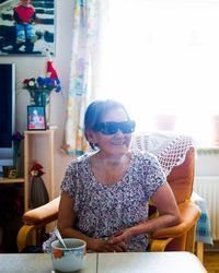 Atsa Schmidt i hendes stue i Nuuk.