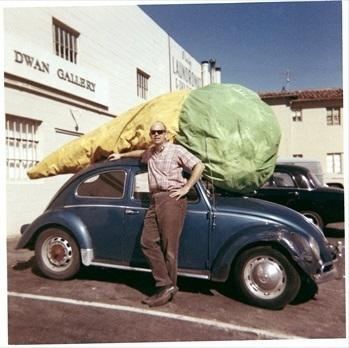 Claes Oldenburg with his Floor Cone (1962) in front of Dwan Gallery, Los Angeles, 1963.