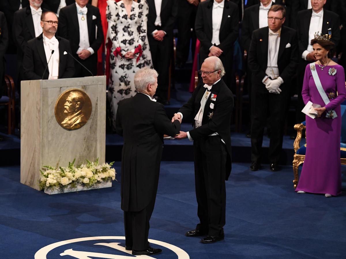 Richard Thaler, winner of the Nobel Memorial Prize in Economic Sciences, receives his award from Sweden's King Carl XVI Gustaf on Dec. 10, 2017, in Stockholm.
