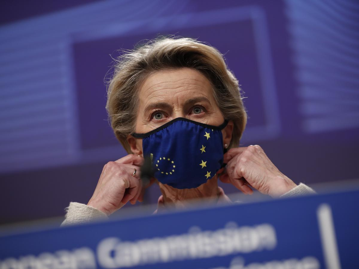 European Commission President Ursula von der Leyen prepares to address a news conference on post-Brexit trade negotiations at EU headquarters in Brussels, Thursday.