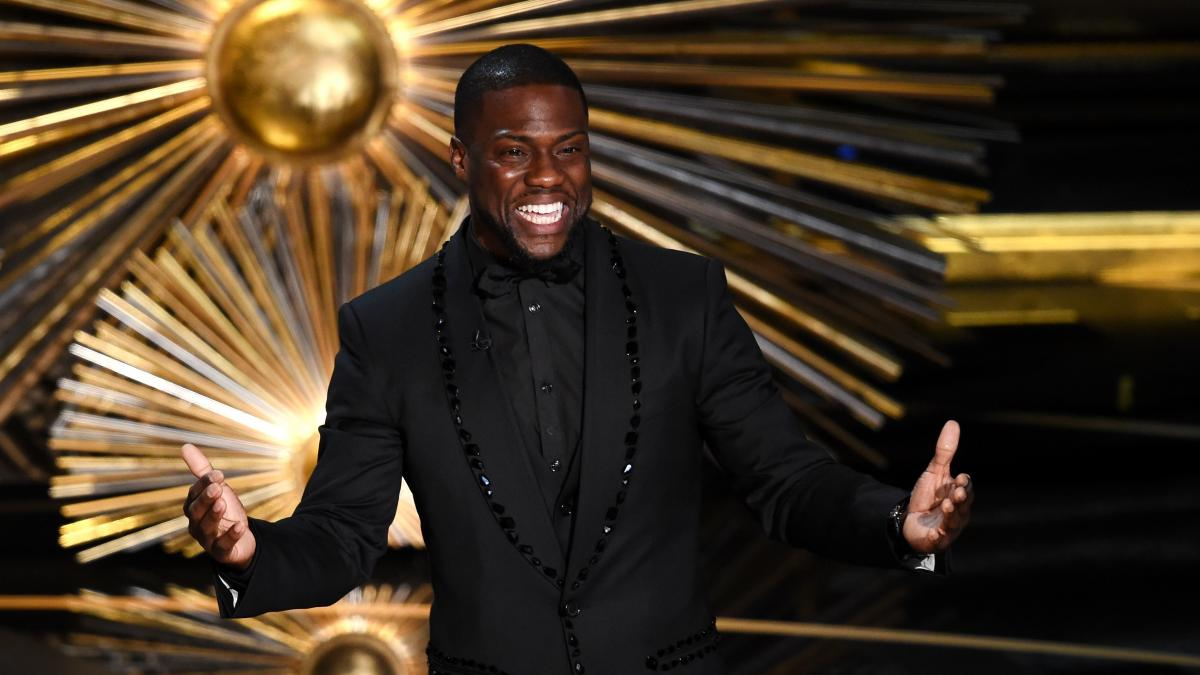 Actor and comedian Kevin Hart speaks onstage at the Academy Awards in 2016. Hart was slated to host the 2019 Oscars but withdrew after he was criticized for controversial jokes he made in 2010.