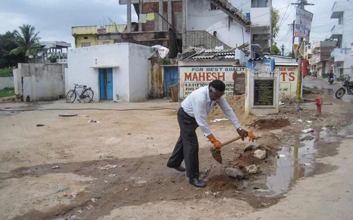 Another pothole bites the dust in India, thanks to the efforts of Gangadhara Tilak Katnam.