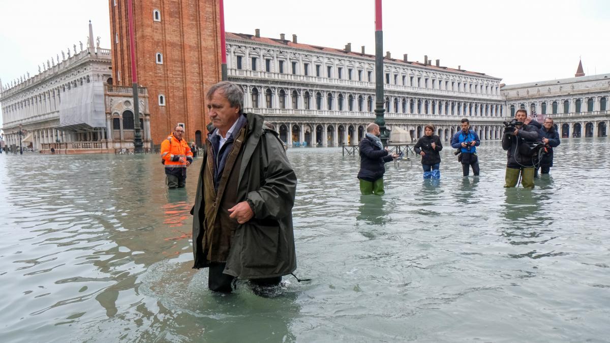 'Venice Is On Its Knees': Mayor Blames Worst Flood Tide In ...
