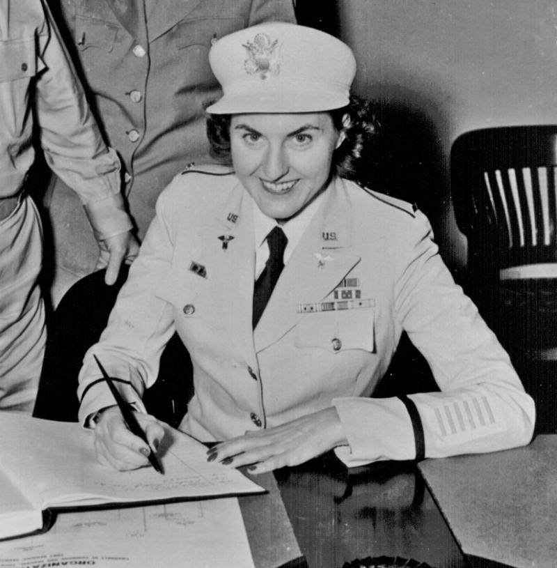 Manning in 1945. She and dozens of other nurses were freed by U.S. forces earlier that year.