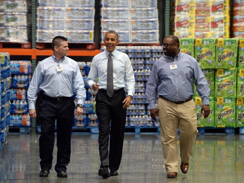 President Obama tours a Costco location in Lanham, Md., on Jan. 29, before speaking about raising the federal minimum wage.