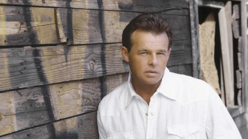 Sammy Kershaw's new album of Cajun holiday songs is called A Sammy Klaus Christmas.