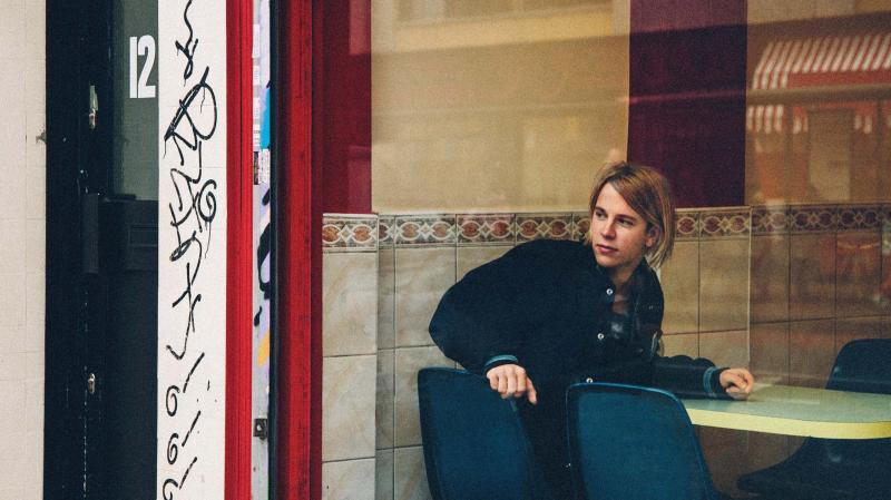Long Way Home is British singer Tom Odell's debut.